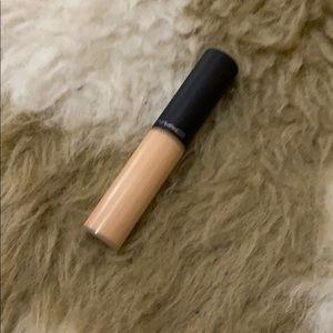 MAC Cosmetics Select Moisturecover Concealer -NC15